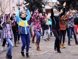 kobiety-tancza-przeciw-przemocy-8