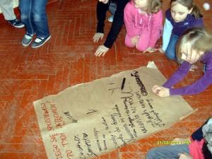Dzieci świetnie bawiły się podczas zajęć. Fot. Urząd Gminy Siedlce