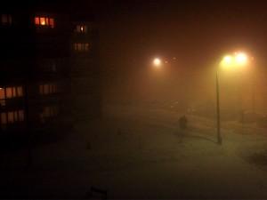 Siedlce są w tej chwili spowite mgłą: ul. Sokołowska, godz. 21.45 Fot. AB