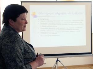"""""""Ludzie na wsiach nie mają często dostępu do wielu specjalistów"""" - mówi Halina Płochocka Fot.AB"""