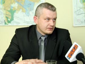 """-""""Nie wszędzie da się wybudować ścieżki dla rowerzystów""""-mówi Tomasz Grzechnik Fot.AB"""