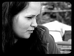 Justyna Duszyńska, dziennikarka, absolwentka AP: Obwieszanie miejsc publicznych krzyżami staje się przytłaczające, nawet dla mnie jako chrześcijanina. Fot. Archiwum własne