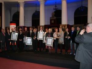 Tomasz Marciniuk, prezes NLOT wśród pozostałych laureatów. Fot. archiwum własne