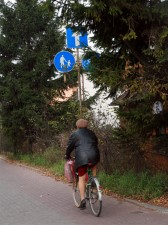 Nowe oznakowania, miejsca postojowe. To wszystko ma zapewnić większe bezpieczeństwo rowerzystów. Fot.AB