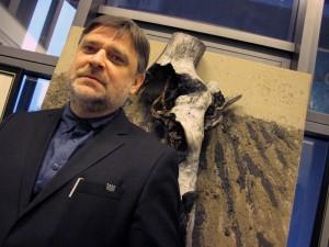 Tomasz Nowak (na tle obrazu Antoniego Wróblewskiego): Czy on nadal jest moim mistrzem i nauczycielem? Ależ oczywiście, że tak. Tu się nic nie zmieniło... Fot. AB