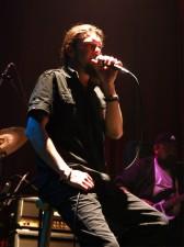 Leszek Kowalik - wokalista i gitarzysta grupy LIMBOS Fot.AB