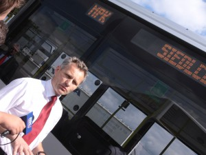 """- """"Ten autobus jest przyjazny  dla kierowcy, ale przede wszystkim dla pasażera"""" - mówi Bogdan Kozioł  Fot.AB"""