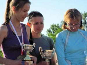 Anna Szyszka (w środku), zwyciężczyni w kategorii kobiet.