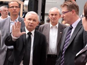 Jarosław Kaczyński w zakładzie Stadlera. Fot. AB