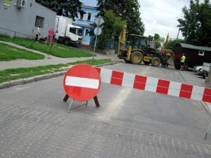 Roboty budowlane na ul. Błonie