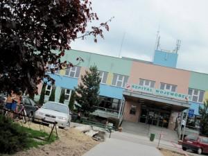 We wrześniu pod szpitalem wojewódzkim odnaleziono ciało mężczyzny.