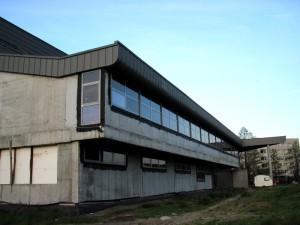 Przez dwa lata budynek stał w stanie surowym. Fot. PS