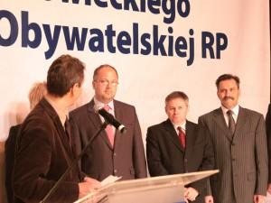 Platforma Obywatelska podczas ogłaszania kandydatów na radnych miejskich i kandydata na prezydenta Siedlec. Marek Kordecki: 2 od prawej. Fot. AB