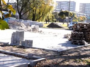 Magistrat twierdzi, że już teraz parking jest budowany. 13. października godz. 11.10