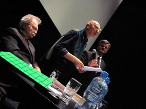 Od lewej: prof. Jerzy Robert Nowak, prof. Bogusław Wolniewicz i Leszek Szymański.