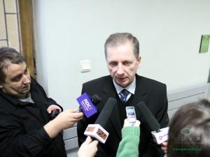 Mirosław Leśkowicz twierdzi, że od 1 marca poradnie powinny już świadczyć usługi swoim pacjentom. Fot. AB
