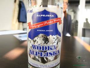 Na etykiecie jest zaznaczone, że to Polska wódka oraz, że została wyprodukowana w siedleckim Polmosie. Fot.AB