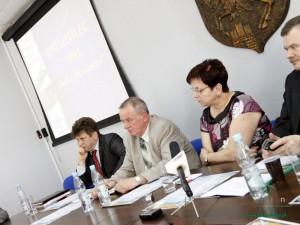 Wiceprezydent Anna Sochacka podczas jednej z konferencji prasowych. Fot. AB