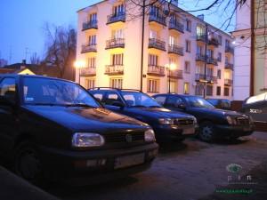 Nie ma pomysłu na rozwiązanie problemu parkingów osiedlowych. Fot. AB