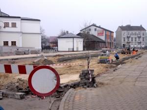 Remont chodnika przy ul. Sienkiewicza to długa inwestycja. Fot. BG