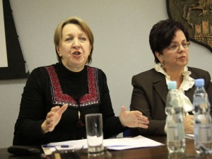 Maria Gadomska i Anna Sochacka podczas dzisiejszej konferencji