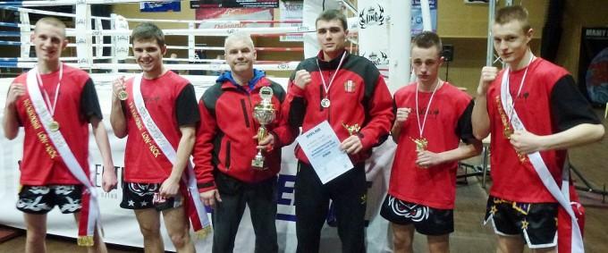 Od lewej: Kobyliński, Garbaczewski, trener Garbaczewski, Ożarek, Ułasiuk, Marciszewski