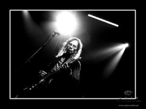 Leon Hendrix na scenie. Fot. AB