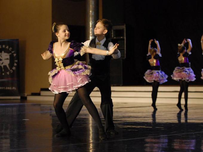caro dance2