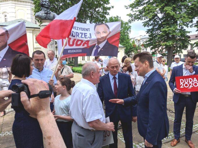 Minister Mariusz Błaszczak w towarzystwie b. prezydenta Siedlec W. Kudelskiego i posła K.Tchórzewskiego